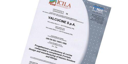 Valcucine Erhält Als Erster Küchenhersteller Italiens Das Zertifikat ISO  14001.